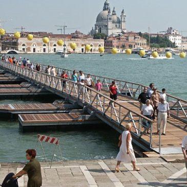 Сколько мостов в Венеции?