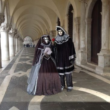 Карнавал и маски в Венеции